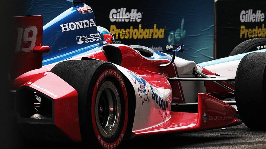 James Jakes se envolveu em acidente durante a corrida em São Paulo