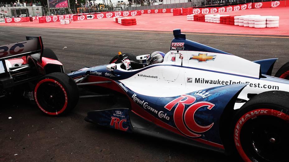 Após batida Marco Andretti aguarda equipe de apoio