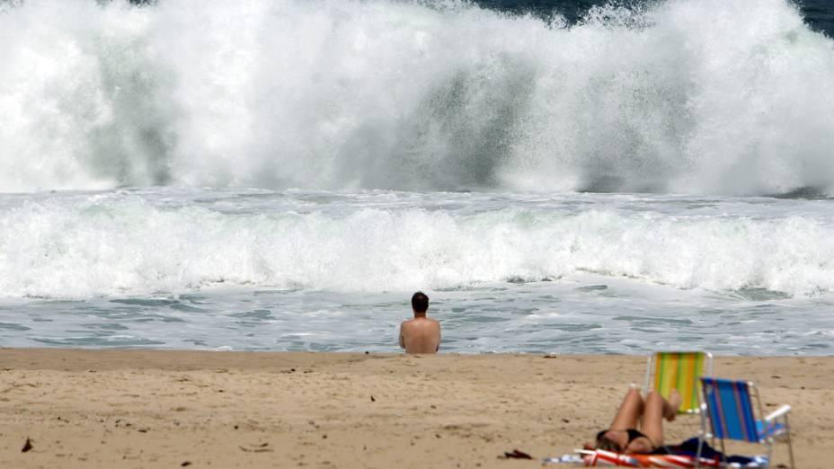 Ondas em praia do Rio de Janeiro