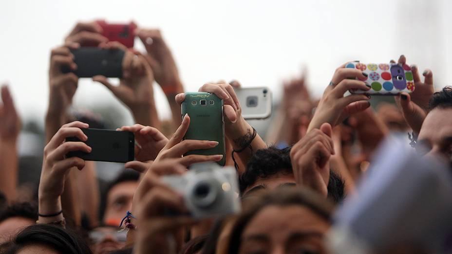 Público durante a apresentação da banda Foster the People, no segundo dia do Festival Lollapalooza 2015, no Autódromo de Interlagos, em São Paulo