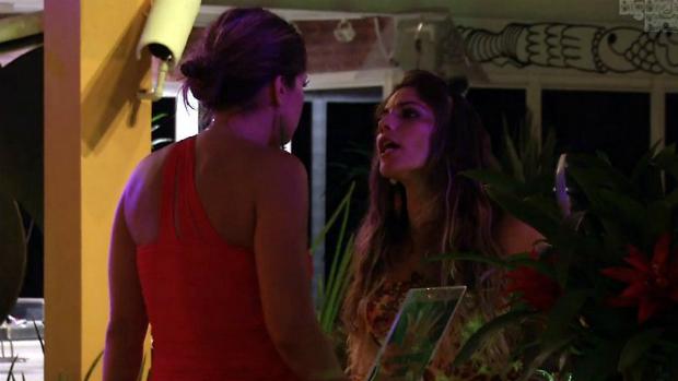 Anamara fala sobre Natália para Fani, no BBB 13