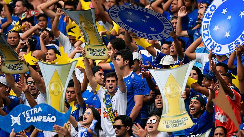 Torcida do Cruzeiro durante a partida entre Cruzeiro MG e Fluminense RJ válida pela Série A do Campeonato Brasileiro 2014 no Estádio Mineirão em Belo Horizonte (MG), neste domingo (07)