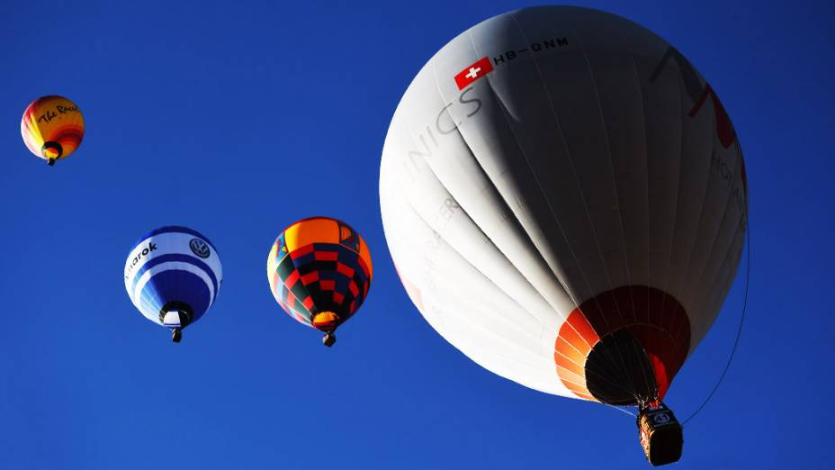 Balões decolam do aeroporto da cidade de Rio Claro durante o Mundial de Balonismo