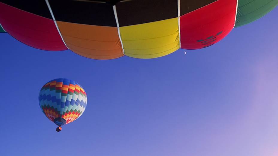 Balão é visto durante a manhã na cidade de Rio Claro, interior paulista