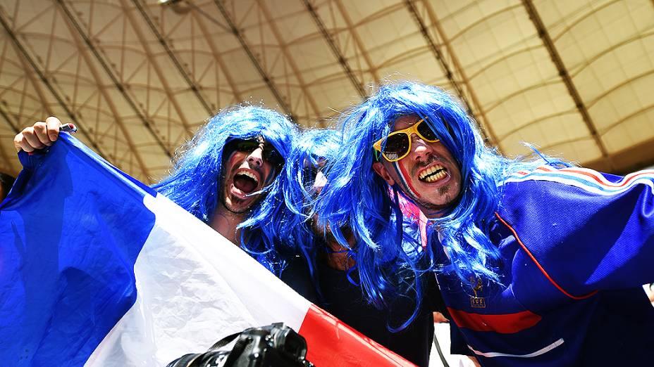 Torcedores da França durante o jogo contra a Nigéria no Mané Garrincha, em Brasília