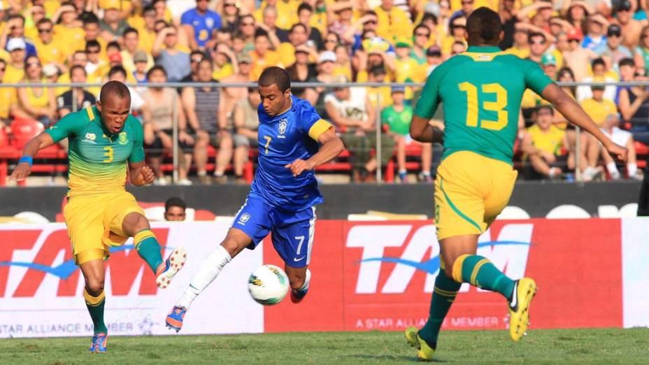 Lucas no amistoso entre Brasil e África do Sul, no estádio do Morumbi