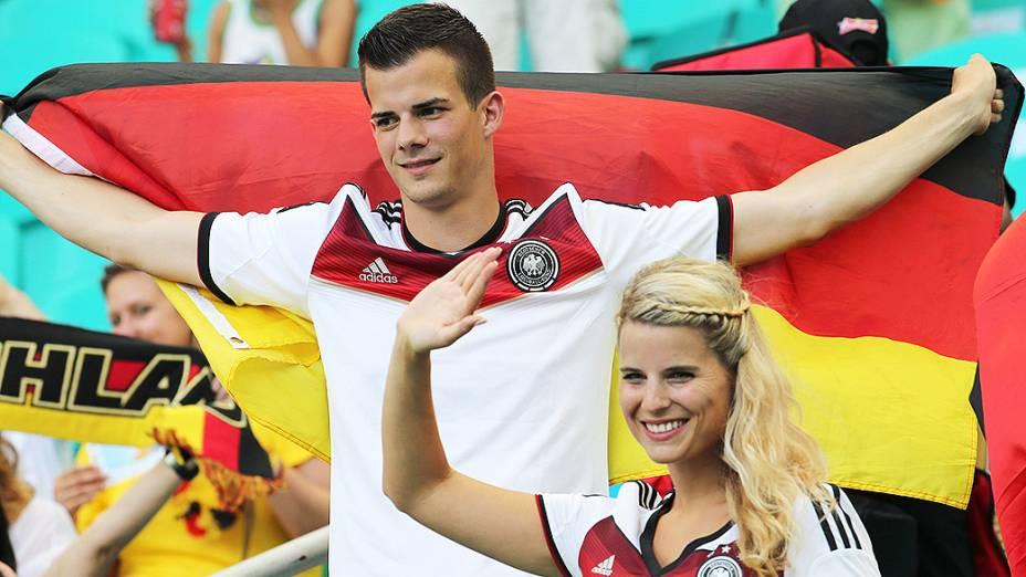 Torcedores da Alemanha antes do jogo contra Portugal na Arena Fonte Nova, em Salvador
