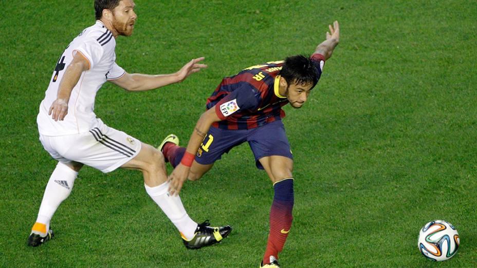 Brasileiro Neymar em lance da final da Copa do Rei