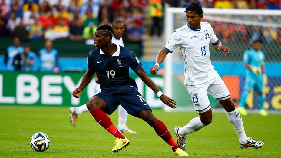 Paul Pogba, da França, durante o jogo contra Honduras no Beira-RIo, em Porto Alegre