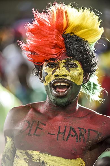 Torcedor de Gana durante jogo contra os Estados Unidos na Arena das Dunas, em Natal
