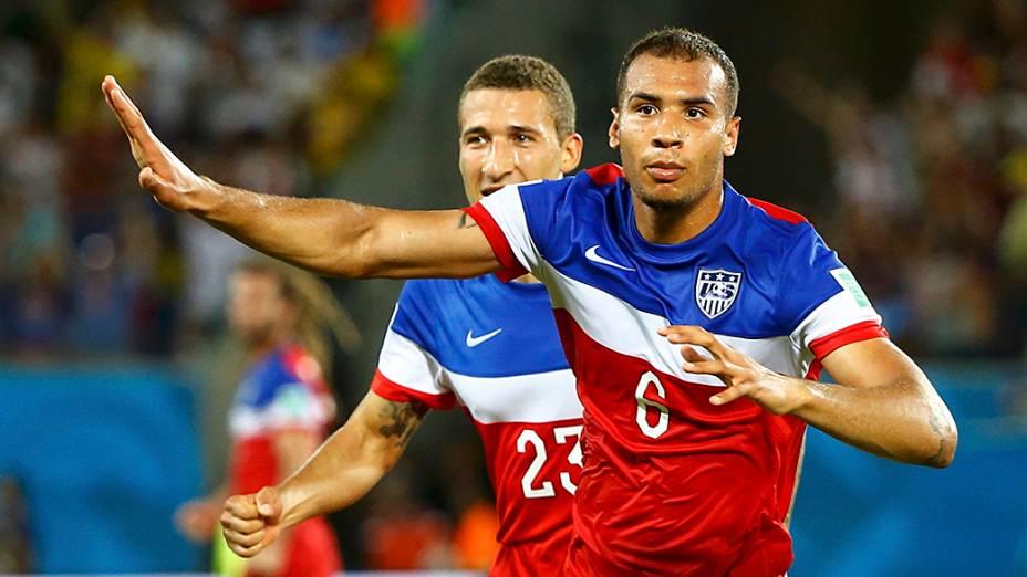 John Brooks comemora ao marcar o gol da vitória dos Estados Unidos sobre Gana