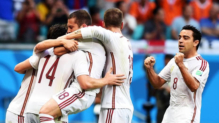 Jogadores da Espanha comemoram gol contra a Holanda, na Arena Fonte Nova em Salvador