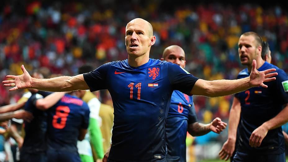 O holandês Arjen Robben comemora gol contra a Espanha, na Arena Fonte Nova em Salvador