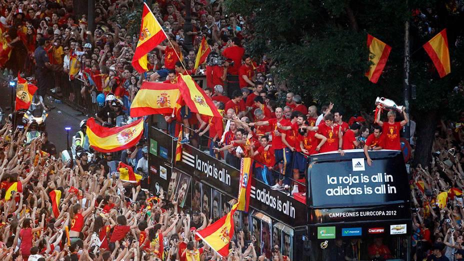 Em Madri, time da Espanha é recepcionado por torcedores após vencer a Eurocopa 2012