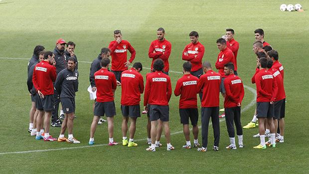 Jogadores durante treino do Atlético de Madri, na Espanha