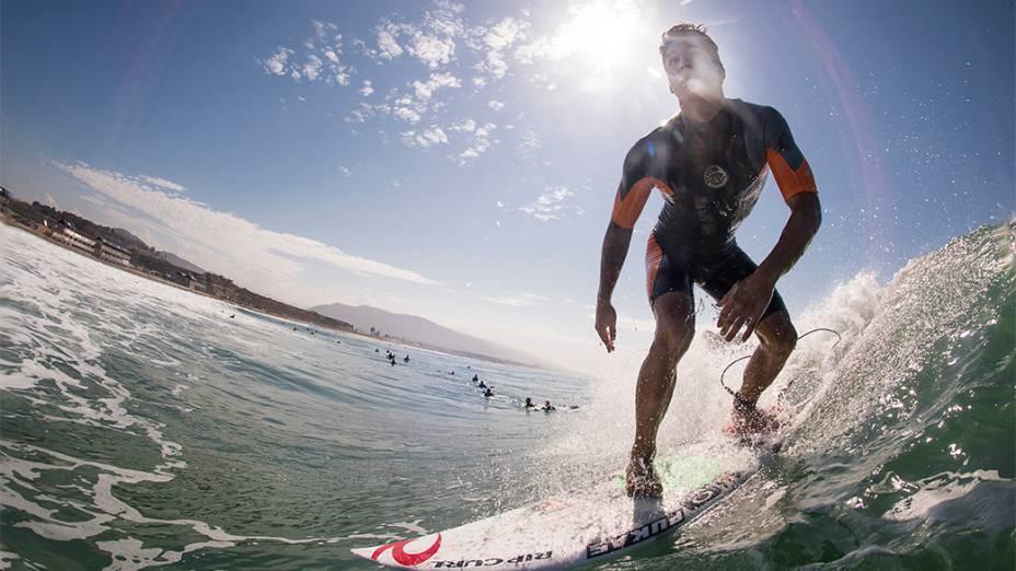 Sessão de treino do surfista Gabriel Medina em Trestles, na Califórnia