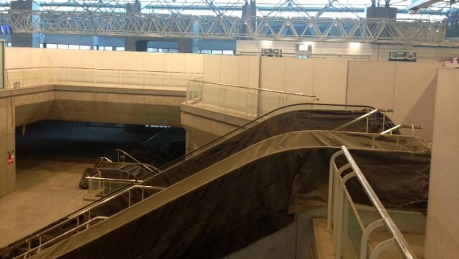 Galeão: escada rolante fora de funcionamento