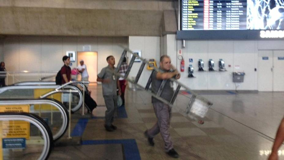 Galeão: operários no terminal 2