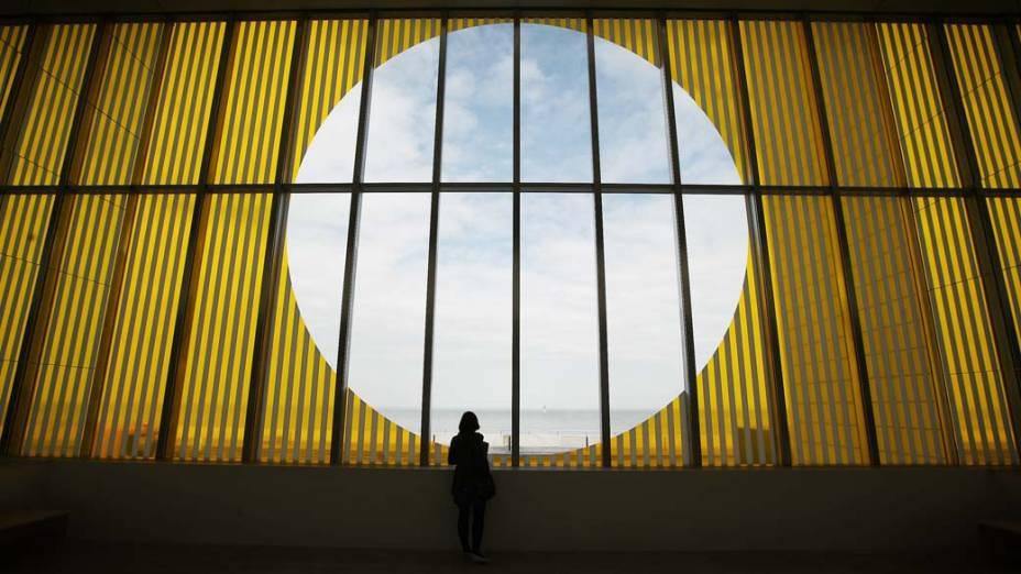 Galeria de arte Turner Contemporary na cidade de Margate, Inglaterra. O espaço foi projetado pelo arquiteto britânico David Chipperfield e será inaugurado amanhã