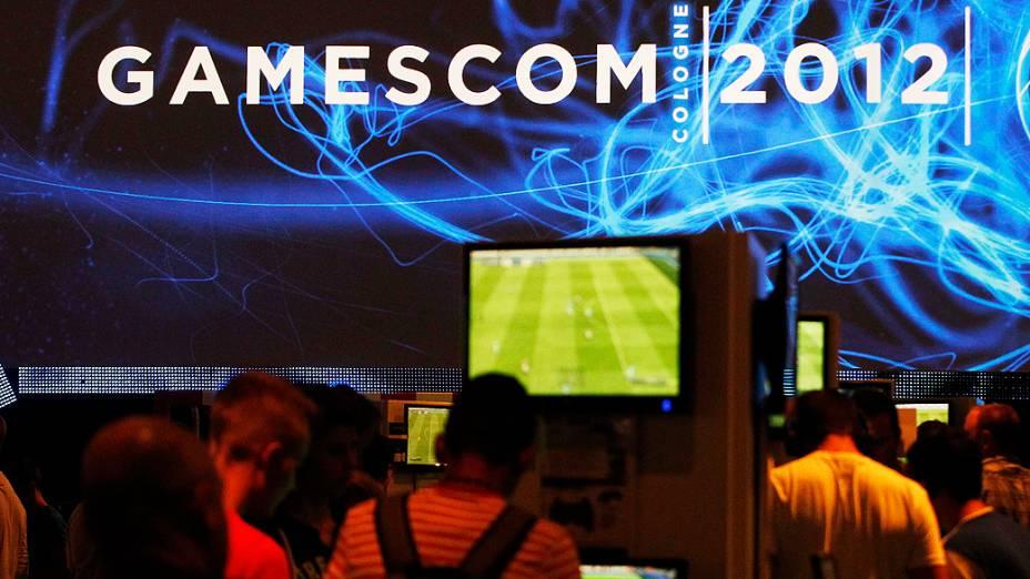 Visitantes durante a Gamescom 2012, a maior convenção sobre video games da Europa, realizada em Colônia, na Alemanha