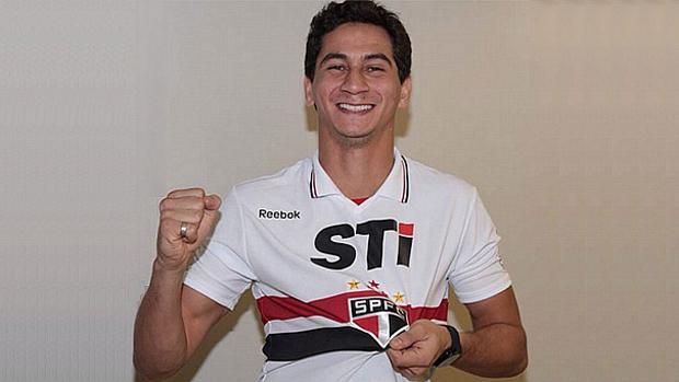 Ganso, enfim, vestiu a camisa do São Paulo