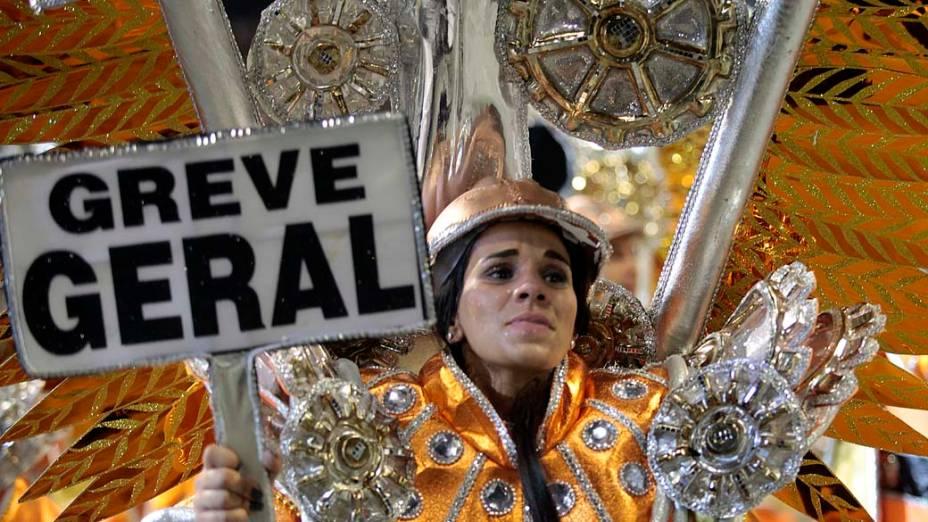 Desfile da Gaviões da Fiel, em São Paulo