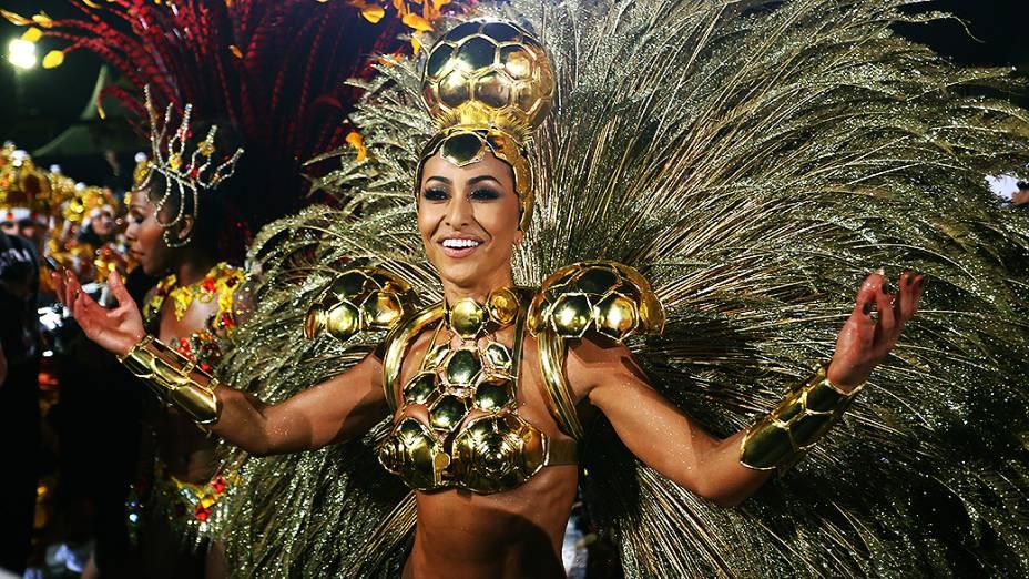 Sabrina Sato no desfile da Gaviões da Fiel, no Sambódromo do Anhembi