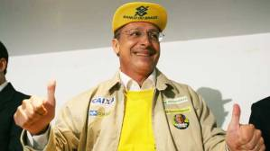 O candidato do PSDB à presidência da República Geraldo Alckmin durante campanha em Brasília, 2006