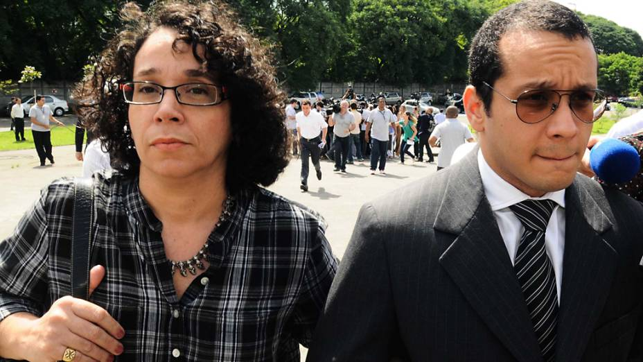 Acusado chegou no primeiro dia de julgamento acompanhado da mãe