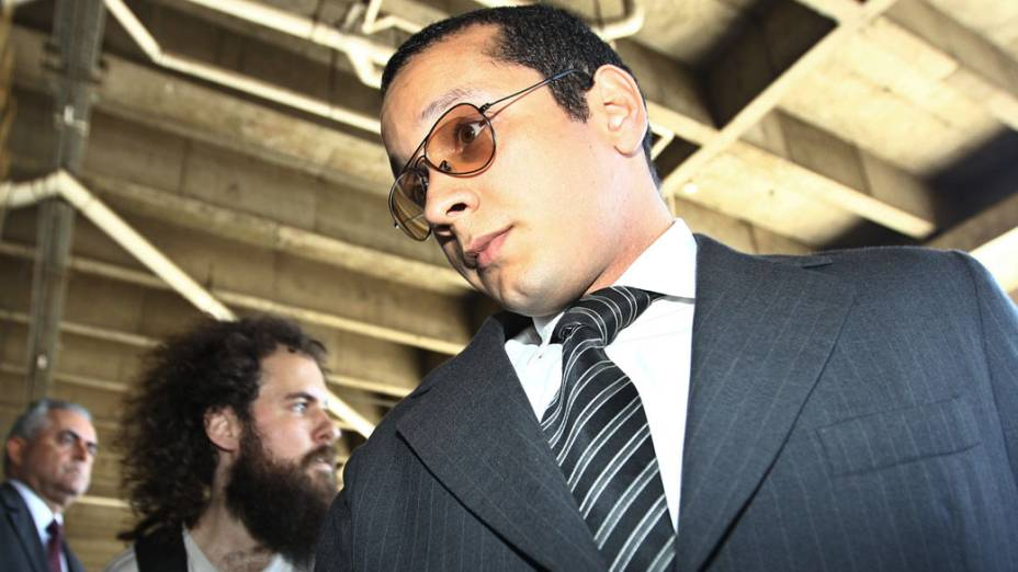 Gil Rugai chega para julgamento no Fórum da Barra Funda