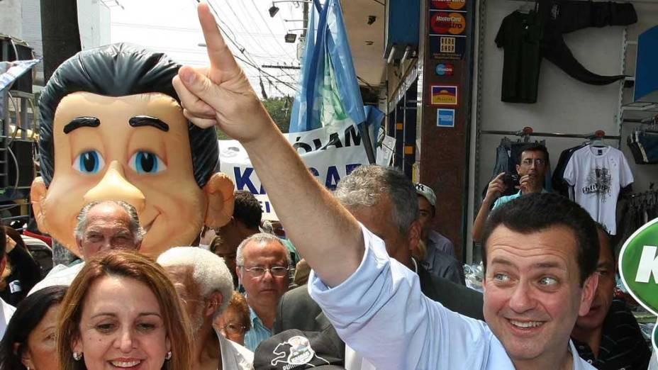 Prefeito Gilberto Kassab durante campanha para prefeitura de São Paulo no bairro de Vila Maria em 2008