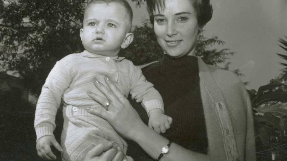 Gilberto Kassab no colo da mãe, Yacy