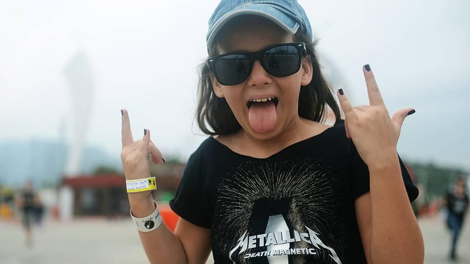 Giulia chega com a família para o quarto dia do Rock in Rio