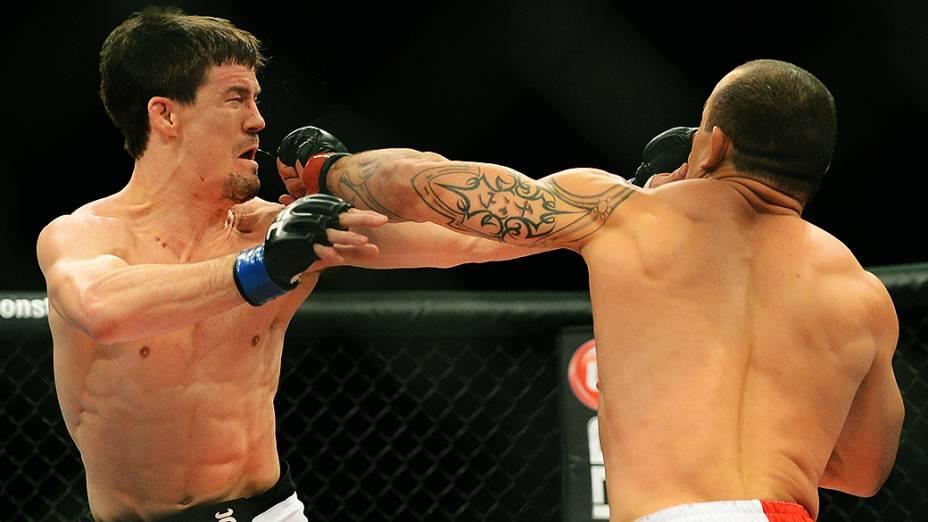 O brasileiro Gleison Tibau vence o americano John Cholish no UFC Jaraguá do Sul, norte de Santa Catarina