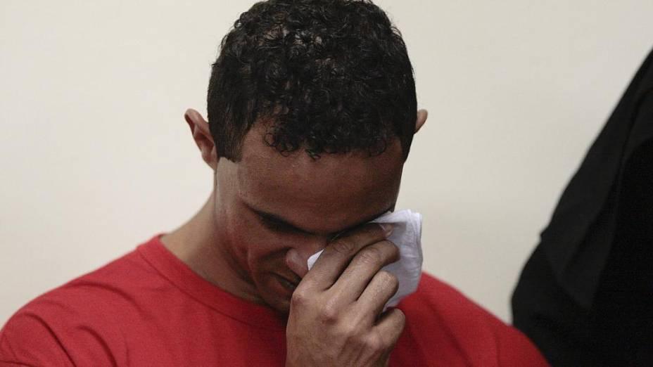 Goleiro Bruno no banco dos réus para o primeiro dia de júri em MG