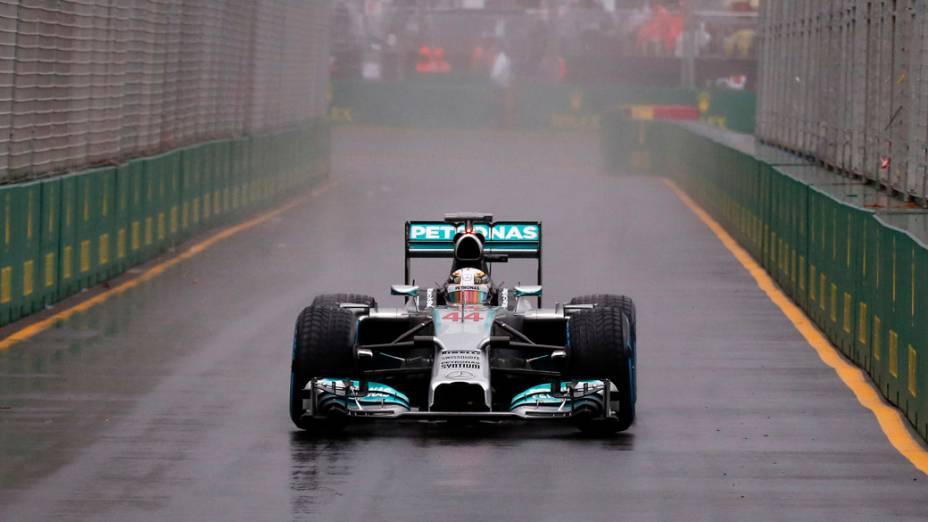 Lewis Hamilton, da Mercedes durante treino no GP da Austrália de F1