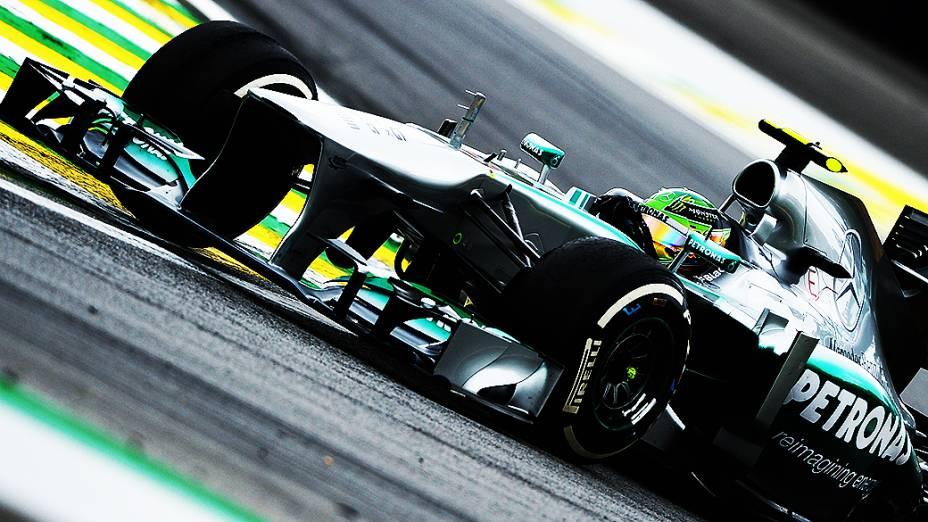 Lewis Hamilton durante a corrida do Grande Prêmio do Brasil