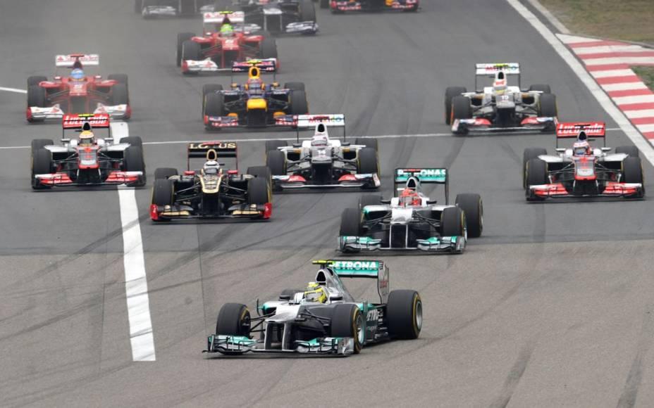 A largada do GP da China de Fórmula 1, em circuito de Xangai