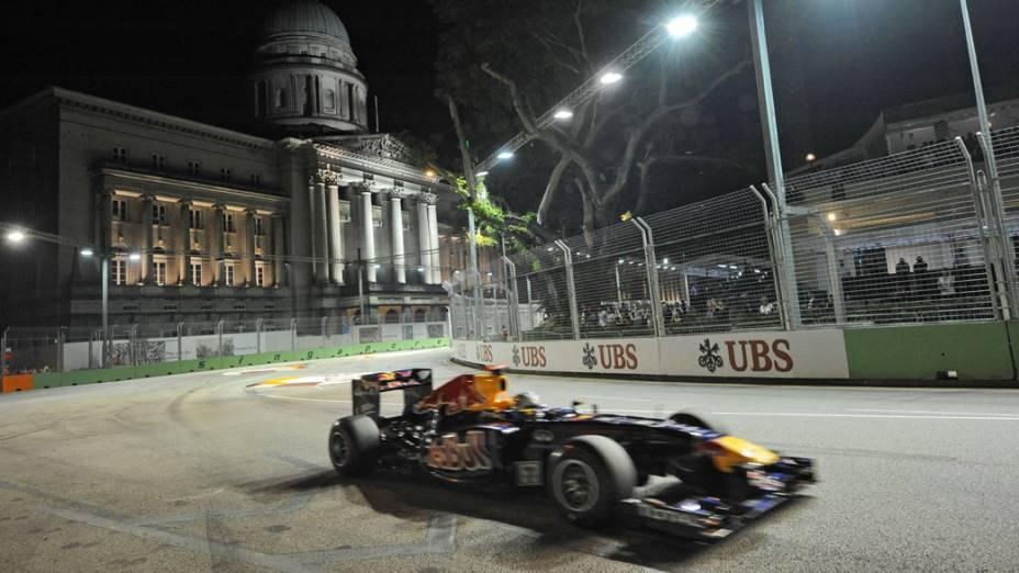 Sebastian Vettel, da Red Bull Racing, durante o GP de Cingapura