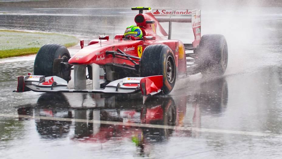 O brasileiro Felipe Massa, da Ferrari, durante a chuva forte que paralisou o GP de F1 do Canadá