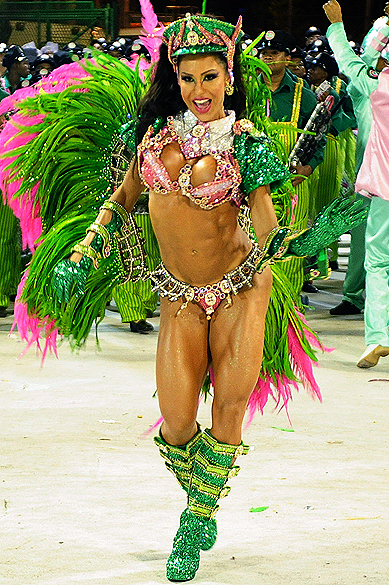 Gracyanne Barbosa, rainha de bateria da Mangueira