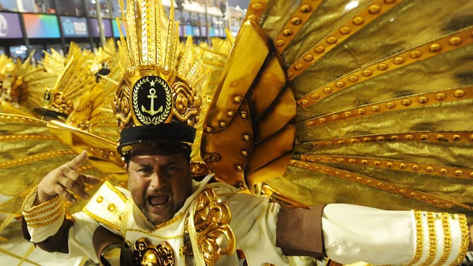 Integrante da Grande Rio durante desfile na Marquês de Sapucaí