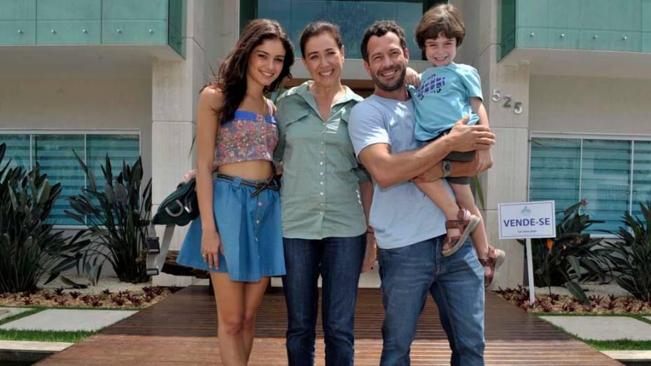 Sophie Charlotte, Lília Cabral, Malvino Salvador e Gabriel Pelícia nas gravações da novela Fina Estampa