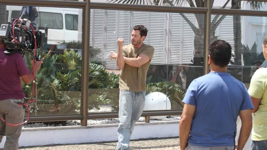 Malvino Salvador durante gravação na Barra da Tijuca, Rio de Janeiro