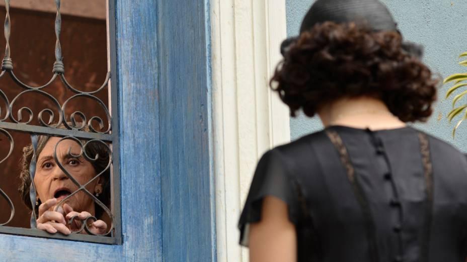 Dorotéia (Laura Cardoso) nega ajuda a  Lindinalva (Giovanna Lancellotti)