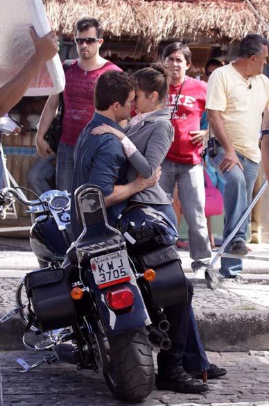 Carlos Casagrande e Tania Khallil durante gravação da novela Fina Estampa na Barra da Tijuca, Rio de Janeiro