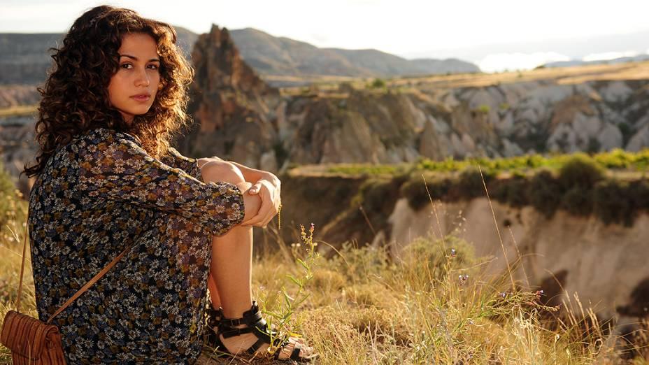 Morena (Nanda Costa) durante gravações da nova novela da Globo Salve Jorge
