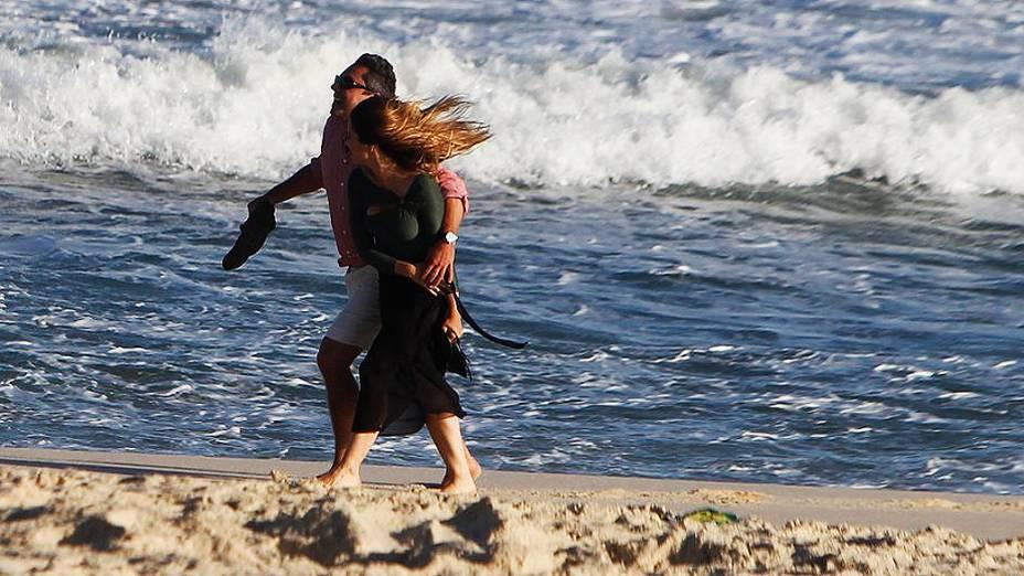 Cleo Pires (Bianca) e Alexandre Nero durante gravações da nova novela da Globo Salve Jorge