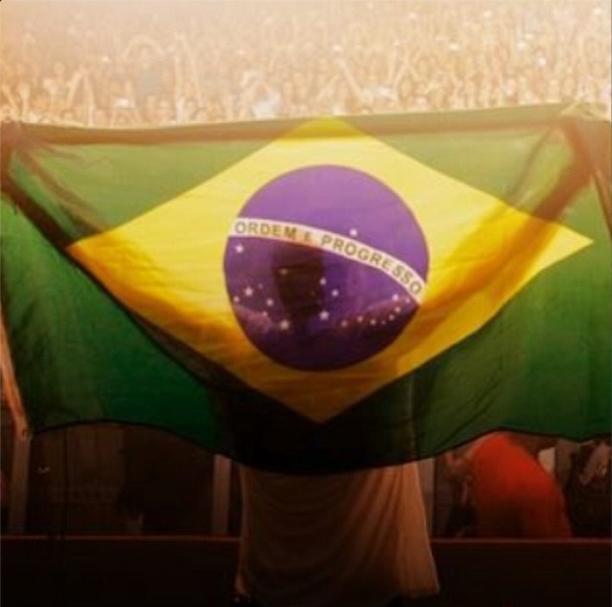Grazi Massafera posta foto de torcedor brasileiro