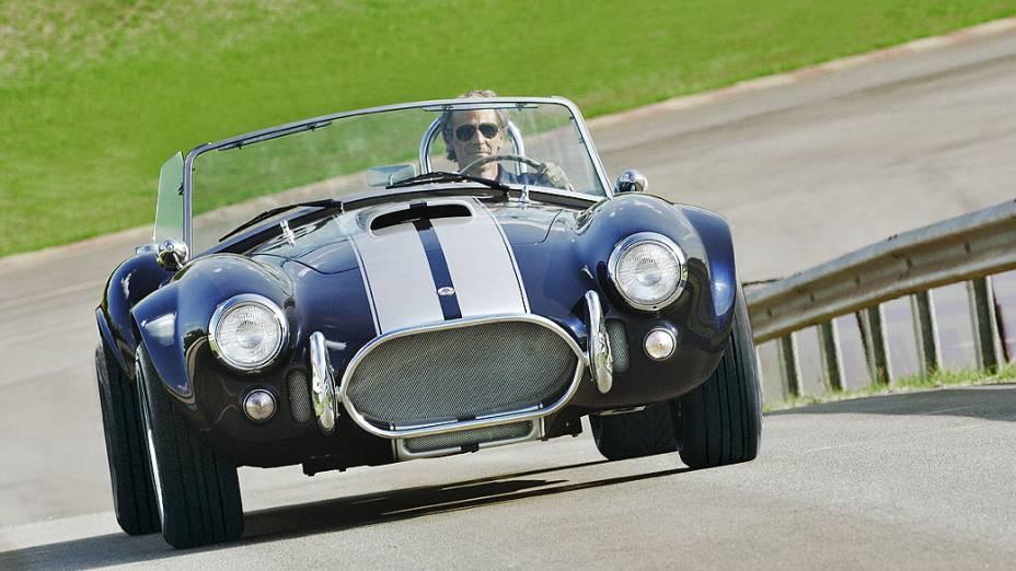 Shelby Cobra: produzido entre 1962 e 1967, era o carro de série mais potente já feito, com motor V8, 4.2 litros. Cotado a partir de 520.000 dólares, dependendo do estado, mas pode passar fácil de alguns milhões